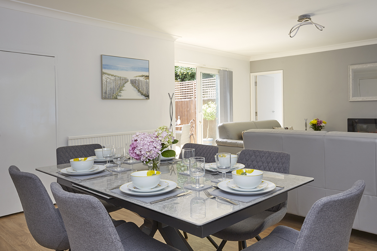 Chine Court Holiday Apartment, Diner, Shanklin, Isle of Wight