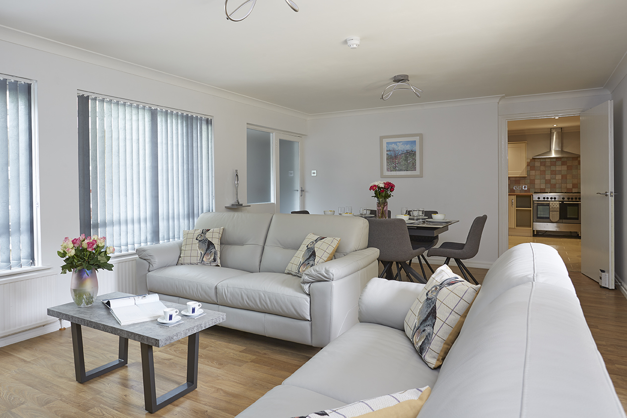 Chine Court Holiday Apartment, Lounge Diner, Shanklin, Isle of Wight