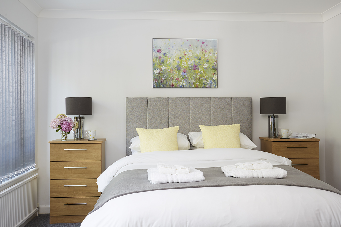 Chine Court Holiday Apartment, Master Bed, Shanklin, Isle of Wight